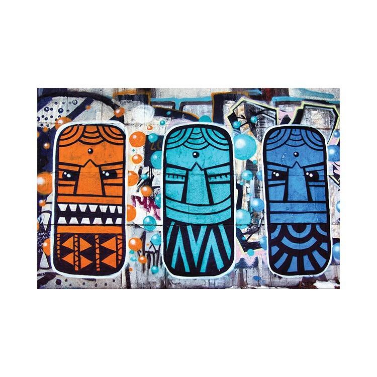 Τρία τοτέμ, Street art, Πίνακες σε καμβά
