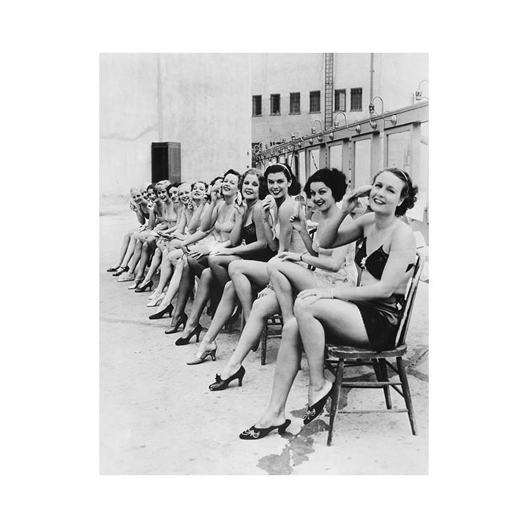 Γυναίκες πιν απ, Άνθρωποι, Ταπετσαρίες Τοίχου