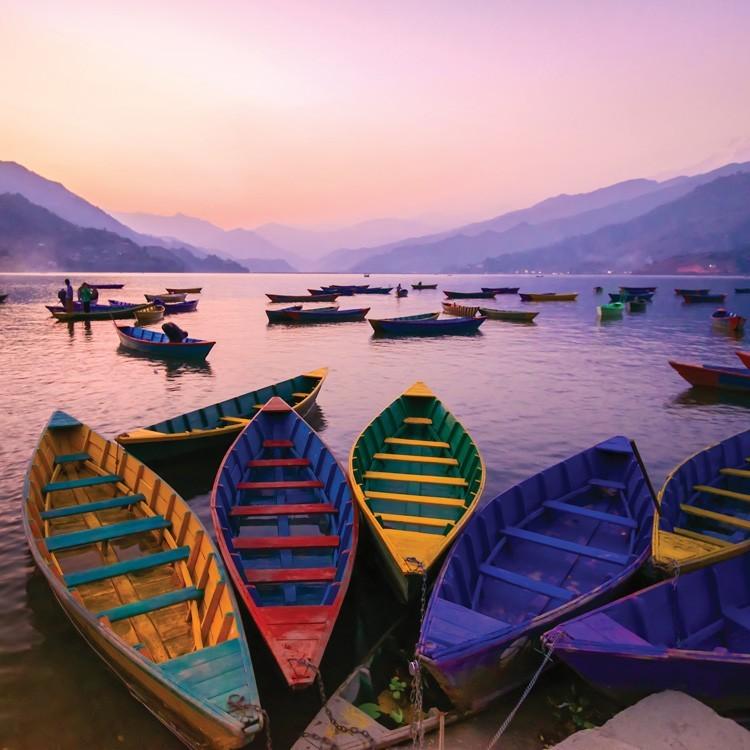 Πολύχρωμες Βάρκες, Φύση, Παραβάν