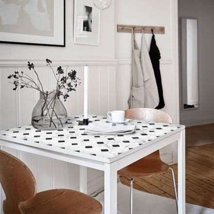 Πλακίδια άσπρα μαύρα μοτίβα