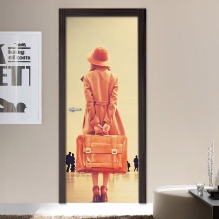 Κορίτσι με βαλίτσα