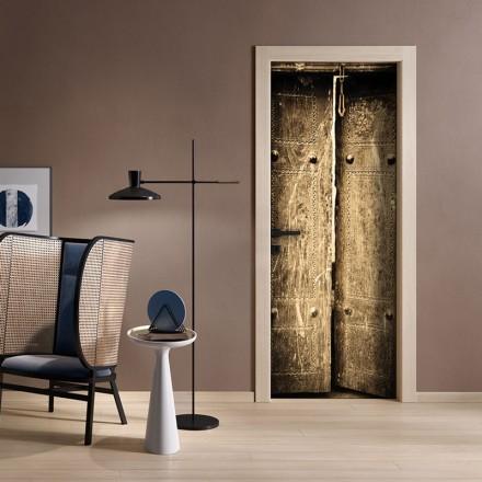 Παλιά πόρτα μεταλλική