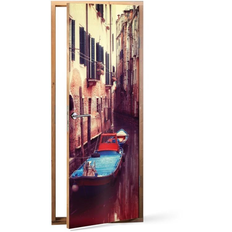 Αυτοκόλλητο Πόρτας Γόνδολα σε κανάλι της Βενετίας