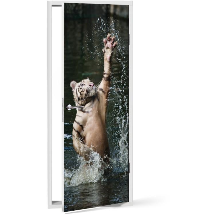 Αυτοκόλλητο Πόρτας Τίγρης στο νερό
