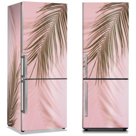 Φύλλα φοίνικα στον ροζ τοίχο