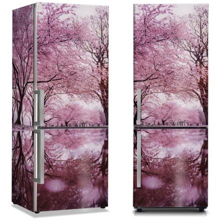 Τοπίο ροζ λουλουδιών στα δέντρα