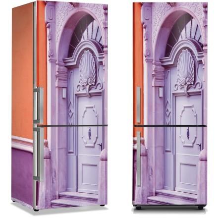 Μοβ ιδιαίτερη πόρτα