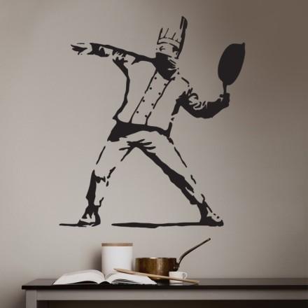 Pan thrower