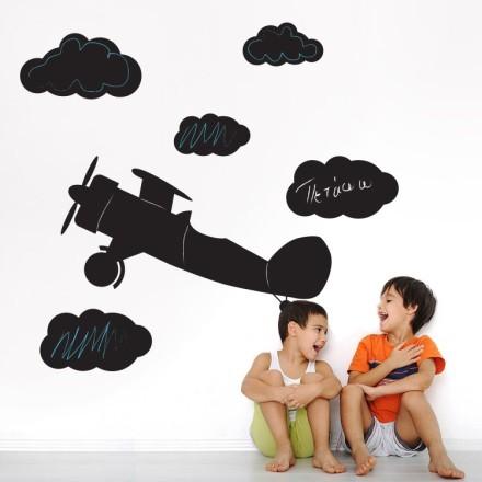 Αεροπλάνο στα σύννεφα