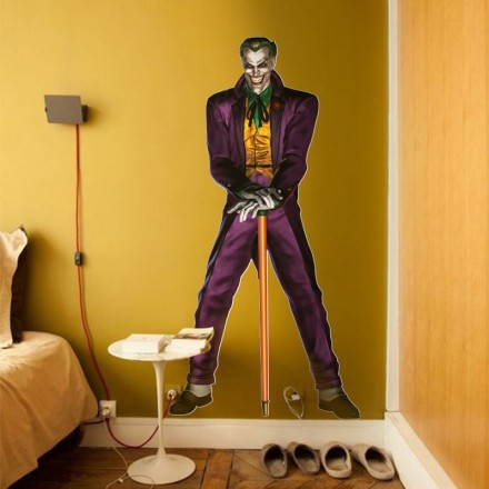 Joker κρατάει μπαστούνι