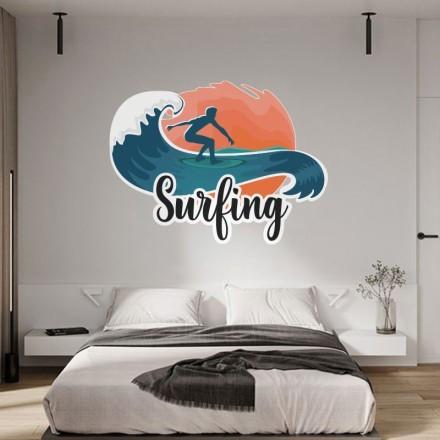 Surfing σε άγρια κύματα
