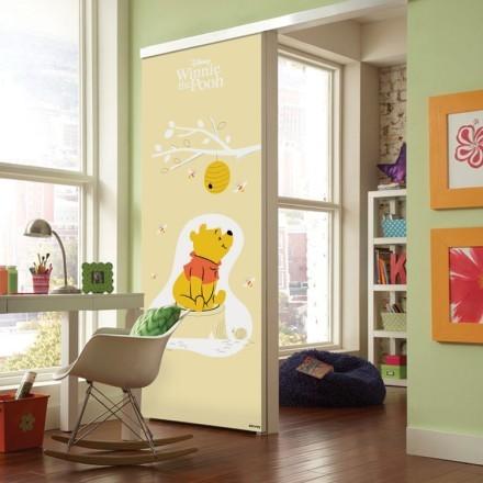 Winnie the Pooh adores Honey