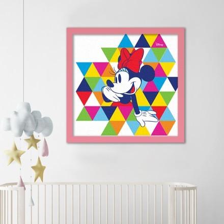 Η Μίνι Μάους σε μοτίβο με πολύχρωμα τρίγωνα!
