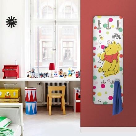 Ο Winnie the Pooh και μια μέλισσα