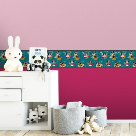 Floral pattern with Minnie Mouse!