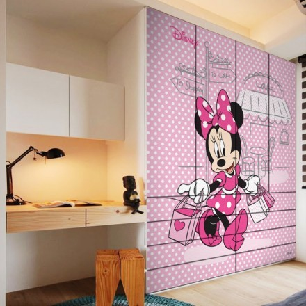 Minnie Mouse is going for shopping