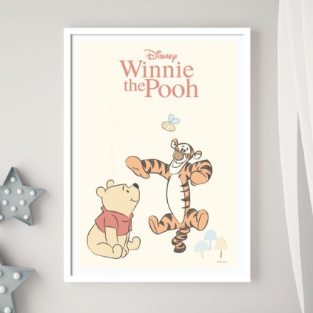 Ο Winnie the Pooh και η Tίγρης παίζουν στην φύση!