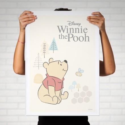 Ο Winnie the Pooh παίζει με τις μελισσούλες!