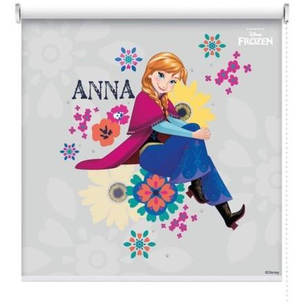 Η Άννα ανάμεσα σε λουλούδια!