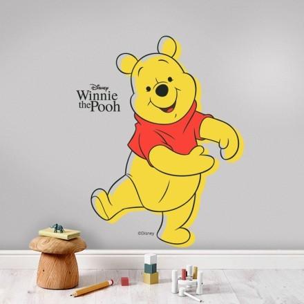 Winnie the Pooh χορεύει χαρούμενα