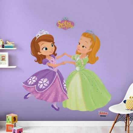 Η Σοφία η πριγκίπισσα χορεύει με τη φίλη της