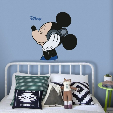 Mickey Mouse is listening to music!!