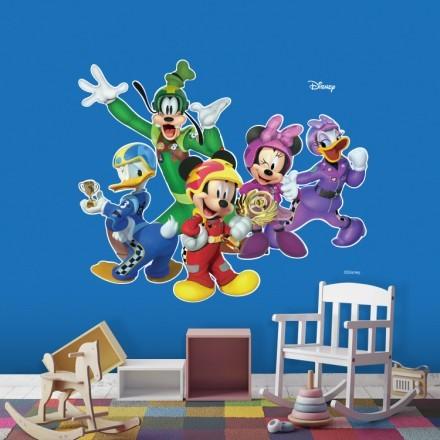 Ο Mickey με την παρέα του!