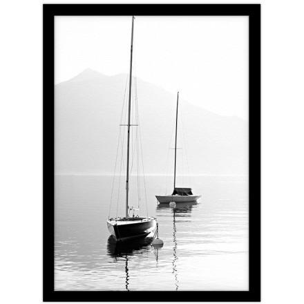 Δύο βάρκες στην ήρεμη θάλασσα