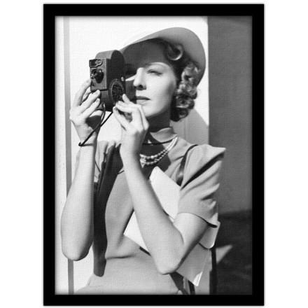 Γυναίκα με Φωτογραφική Μηχανή
