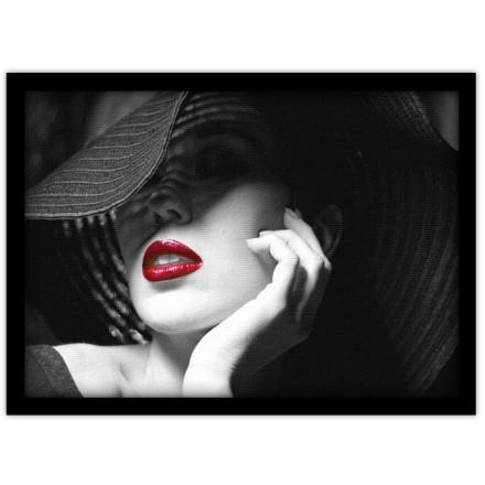 Ασπρόμαυρο Πορτραίτο Γυναίκας με Κόκκινα Χείλη