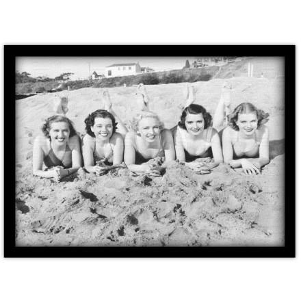 Κορίτσια στην άμμο