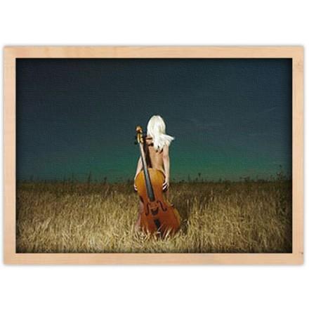 Γυναίκα γυμνή με βιόλα
