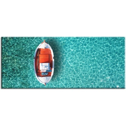 Βάρκα στην θάλασσα της Μυκόνου