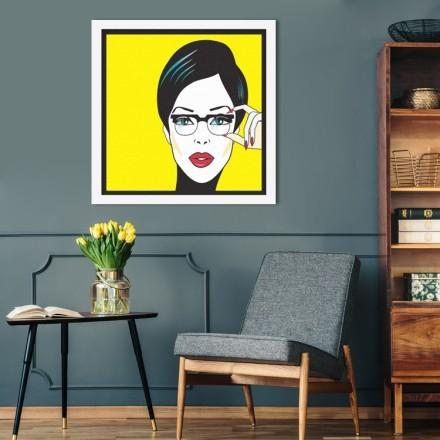 Πορτρέτο γυναίκας με γυαλιά