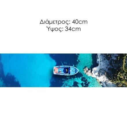 Γαλαζοπράσινη θάλασσα στο γραφικό ηφαιστειογενές νησί της Μήλου, Κυκλάδες