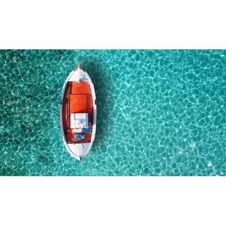 Αεροφωτογραφία παραδοσιακής βάρκας στην θάλασσα της Μυκόνου