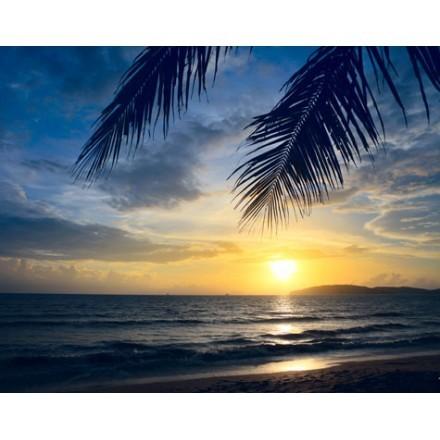 Ηλιοβασίλεμα στη θάλασσα