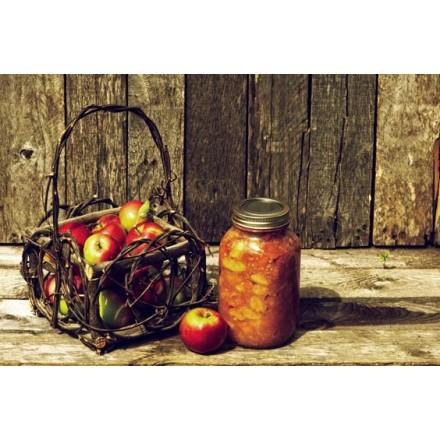 Καλάθι με φρέσκα βιολογικά μήλα