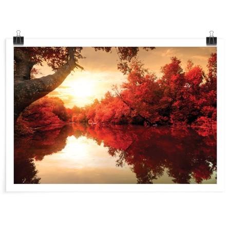 Ηλιοβασίλεμα στο ποτάμι του κόκκινου δάσους