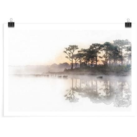 Σκιώδης τοπίο στη λίμνη