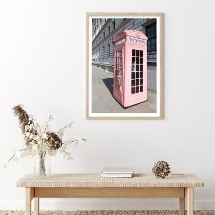 Ροζ τηλεφωνικός θάλαμος στο Λονδίνο