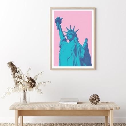 Άγαλμα της Ελευθερίας σε ροζ φόντο