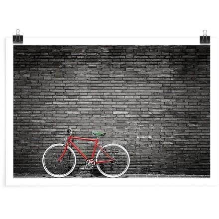 Ποδήλατο στον πέτρινο τοίχο