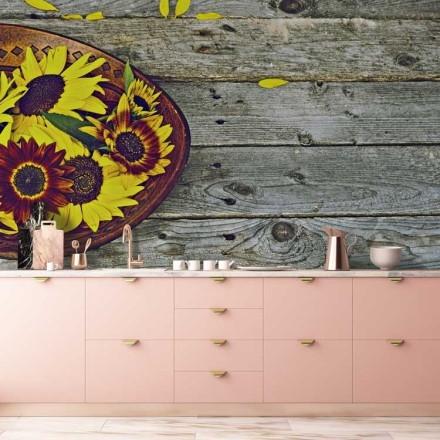 Ξύλινο μπωλ με πολύχρωμα ηλιοτρόπια
