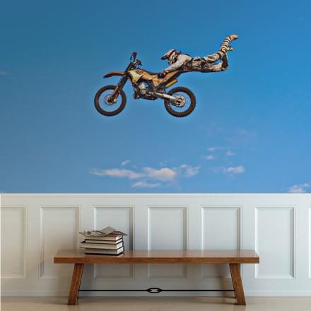 Μοτοσικλετιστής στον αέρα