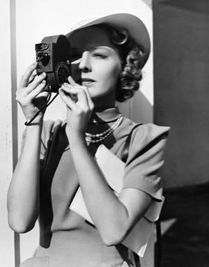 Γυναίκα με Φωτογραφική Μηχανή, Άνθρωποι, Image Gallery