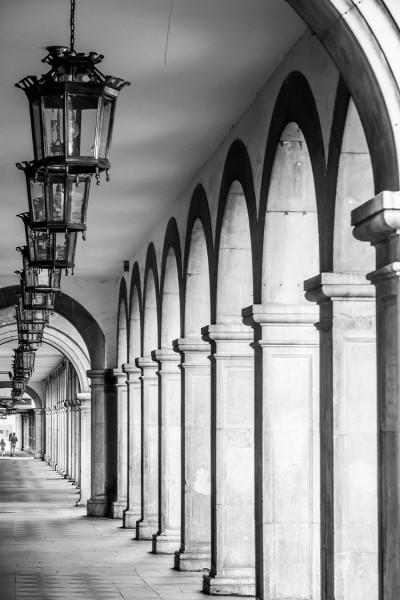 Κολόνες μέσα σε κτήριο της Ισπανίας