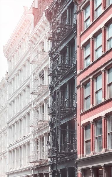 Χρωματιστά κτήρια στο Παρίσι