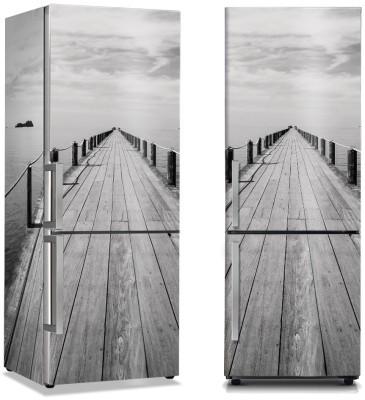 Ξύλινο μονοπάτι προς τη θάλασσα Φύση Αυτοκόλλητα ψυγείου 50 x 85 εκ.