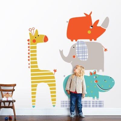 Πυραμίδα από πολύχρωμα ζωάκια! Παιδικά Αυτοκόλλητα τοίχου 50 x 57 εκ.